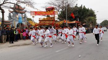 Lễ hội Chùa Hương - đền Đức Thánh Cả