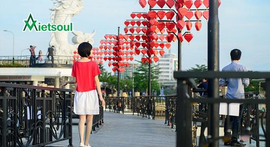 Giới thiệu về cây cầu tình yêu ở Đà Nẵng