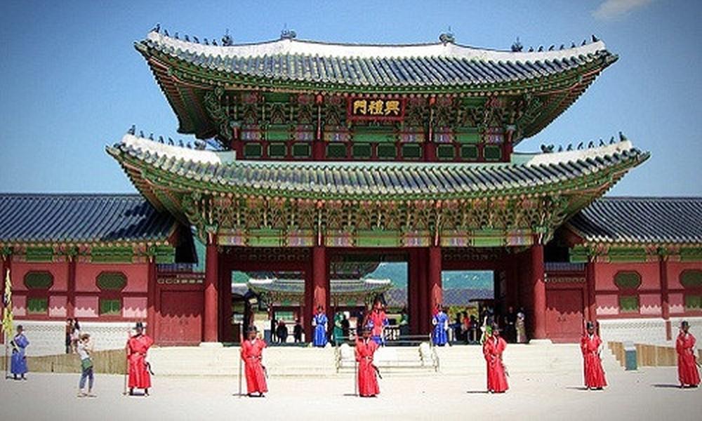Kết quả hình ảnh cho cung điện gyeongbok hàn quốc