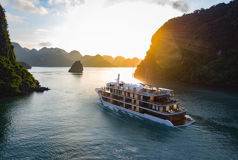 Tour Hạ Long - Lan Hạ